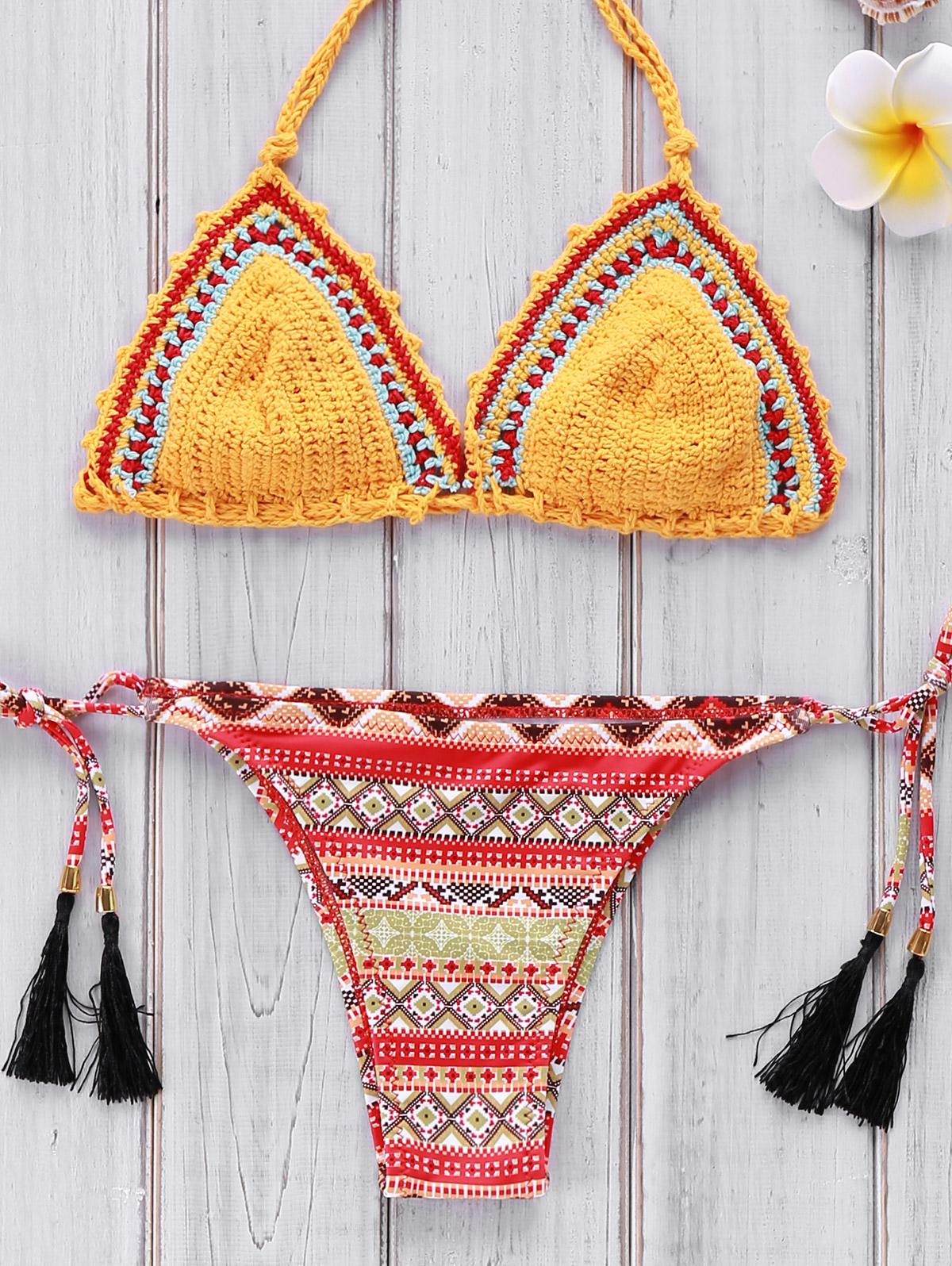 http://www.zaful.com/high-cut-leaf-print-bikini-set-p_160267.html?lkid=13793