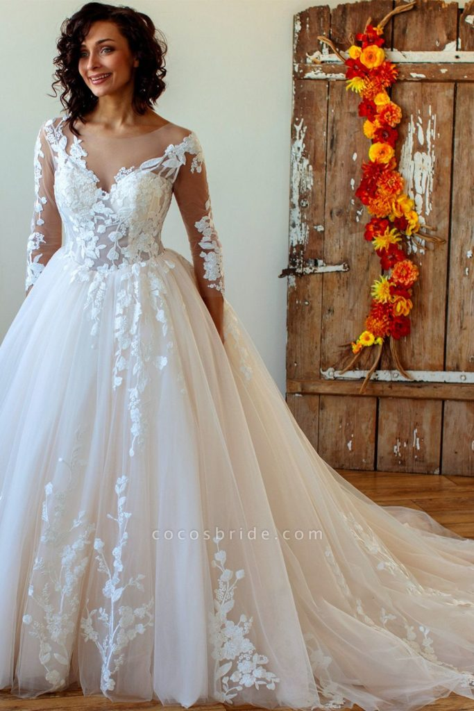 The Best Wedding Gown Style For Pear Shaped Women Little
